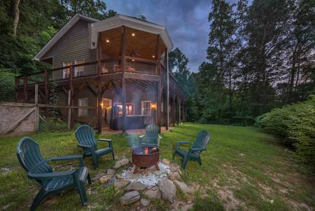 Ridgetop Hideaway Dog Friendly Rental